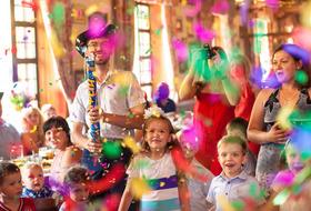 Как украсить комнату к детскому празднику?